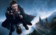 时隔十年,《哈利波特》为何还能再掀热潮,频上热搜?